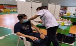 El Polideportivo municipal acogerá este jueves de 9:00 a 12:30 horas la vacunación de personas de 60 a 69 años que hayan sido citadas con antelación